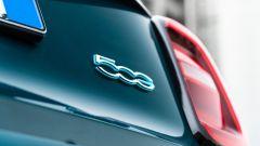Nuova Fiat 500 Elettrica: badge posteriore