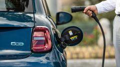 Nuova Fiat 500 elettrica: dopo la Cabrio, ecco la berlina - Immagine: 7