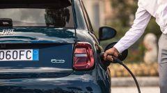 Nuova Fiat 500 elettrica: dopo la Cabrio, ecco la berlina - Immagine: 9