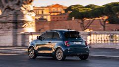 Nuova Fiat 500 elettrica, dopo la Cabrio è il turno della berlina