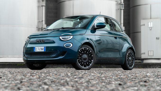 Nuova Fiat 500 Elettrica: frontale