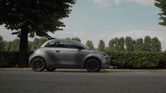 Nuova Fiat 500 elettrica La Prima in giro per Torino