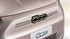 Nuova Fiat 500 Elettrica: la verniciatura brillante della versione fashion