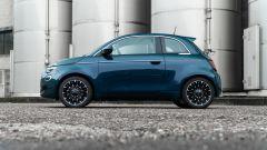 Nuova Fiat 500 Elettrica: laterale
