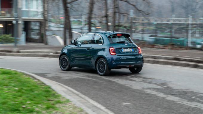 Nuova Fiat 500 Elettrica per il centro di Milano