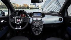 Nuova Fiat 500 Hybrid: la plancia con il touchscreen da 7