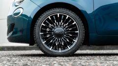 Nuova Fiat 500e Icon: i cerchi in lega leggera da 17