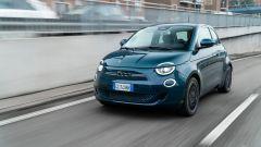 Prova Fiat 500e: pregi e difetti della citycar elettrica