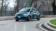 Nuova Fiat 500e Icon: perfetta per la città grazie a un'autonomia rilevata di 260 km