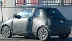 Nuova Fiat 500e: il 3/4 posteriore