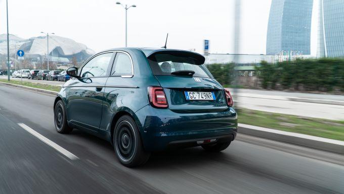 Nuova Fiat 500e: la citycar elettrica durante la nostra prova su strada