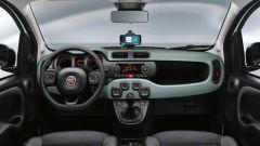 Nuova Fiat Panda Hybrid Launch Edition: la plancia risente del passare degli anni. Oggi le rivali hanno stile più moderno