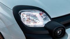 Nuova Fiat Panda Hybrid: un dettaglio del faro anteriore e del fendinebbia