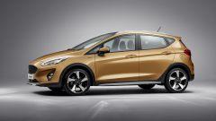 Nuova Ford Fiesca: la versione Active ha mancorrenti sul tetto e assetto rialzato