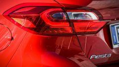 Nuova Ford Fiesta 2017: i fanali posteriori ora sono a sviluppo orizzontale