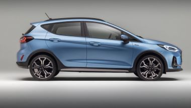 Nuova Ford Fiesta 2021, allestimento Active: visuale laterale