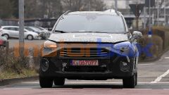 Nuova Ford Fiesta 2022: il frontale mostra le ampie prese d'aria ricavate nel paraurti