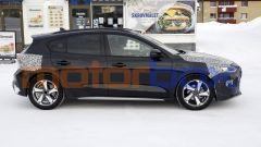 Ford Focus restyling 2022, nuove foto spia. Ecco come cambia - Immagine: 2
