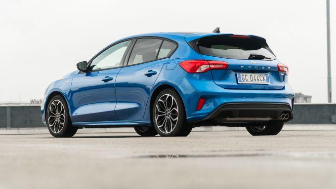 Nuova Ford Focus EcoBoost Hybrid: la prova della berlina elettrificata in versione ST Line X