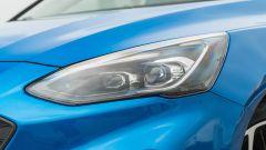 Nuova Ford Focus EcoBoost Hybrid ST Line X: i fari anteriori full LED