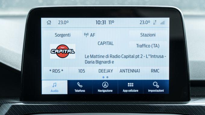Nuova Ford Focus EcoBoost Hybrid ST Line X: il touchscreen da 8'' del sistema multimediale