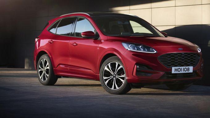 Nuova Ford Kuga 2020, tre livelli di elettrificazione