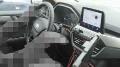 Nuova Ford Kuga Hybrid 2020: un dettaglio della plancia
