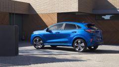 Nuova Ford Puma 2020: si notino i giochi di luce sulla fiancata