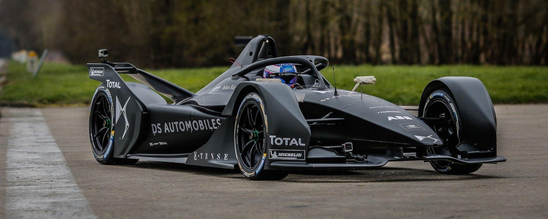 La nuova Formula E 2019 di DS Virgin Racing, la DS E-Tense, in pista - MotorBox