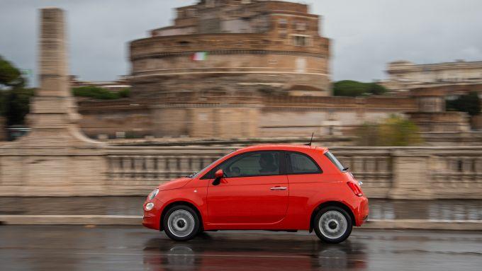 Nuova gamma Fiat 500 2021: la 500 Cult nella nuova livrea arancione
