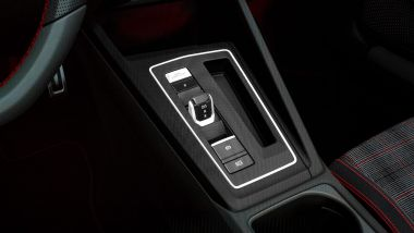 Nuova Golf GTI, la console del cambio DSG