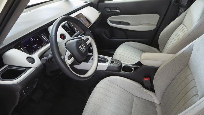 Nuova Honda Jazz e:HEV. Gli interni