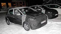 Nuova Hyundai i10 2020: i muletti in un parcheggio