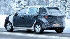 Nuova Hyundai i10 2020: vista 3/4 posteriore, foto spia