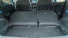 Nuova Hyundai i10: il bagaglioio con divanetto reclinato