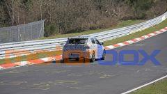 Nuova Hyundai i20 N al Nurburgring: visuale da dietro