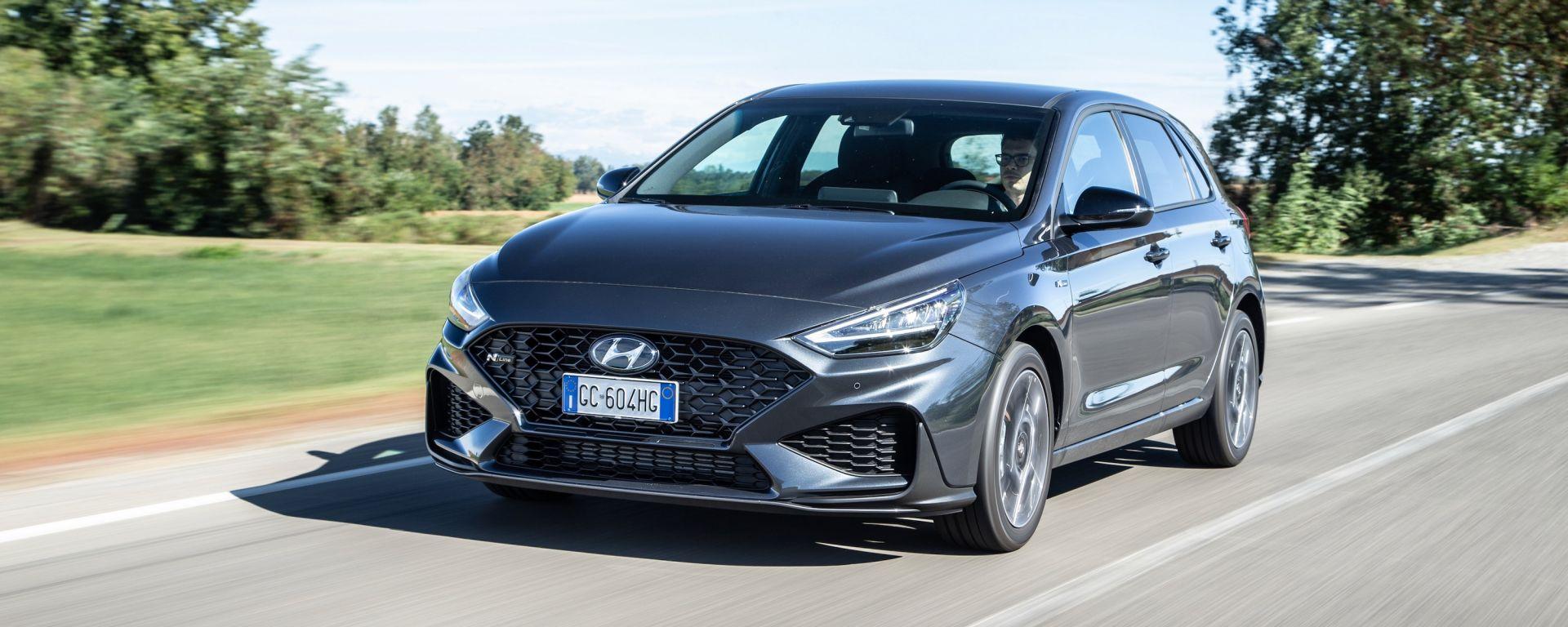 Nuova Hyundai i30: più affilata e tecnologica. La prova video