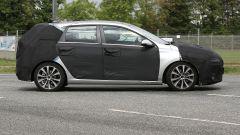 Nuova Hyundai i30: vista lato destro