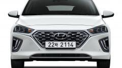 Hyundai Ioniq restyling, più tecnologia, più autonomia - Immagine: 11