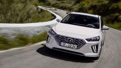 Hyundai Ioniq restyling, più tecnologia, più autonomia - Immagine: 3