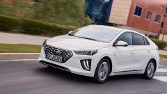 Hyundai Ioniq restyling, più tecnologia, più autonomia - Immagine: 5