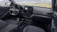 Hyundai Ioniq restyling, più tecnologia, più autonomia - Immagine: 7