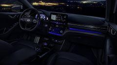 Hyundai Ioniq restyling, più tecnologia, più autonomia - Immagine: 8