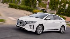 Hyundai Ioniq restyling, più tecnologia, più autonomia - Immagine: 13