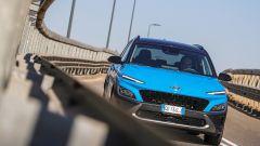 Nuova Hyundai Kona Hybrid: bene in città ma anche fuori dal traffico
