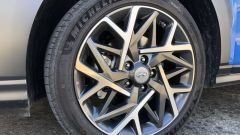 Nuova Hyundai Kona Hybrid: i cerchi in lega leggera da 18