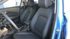 Nuova Hyundai Kona Hybrid: i sedili anteriori rivestiti in pelle sulla versione XClass della prova
