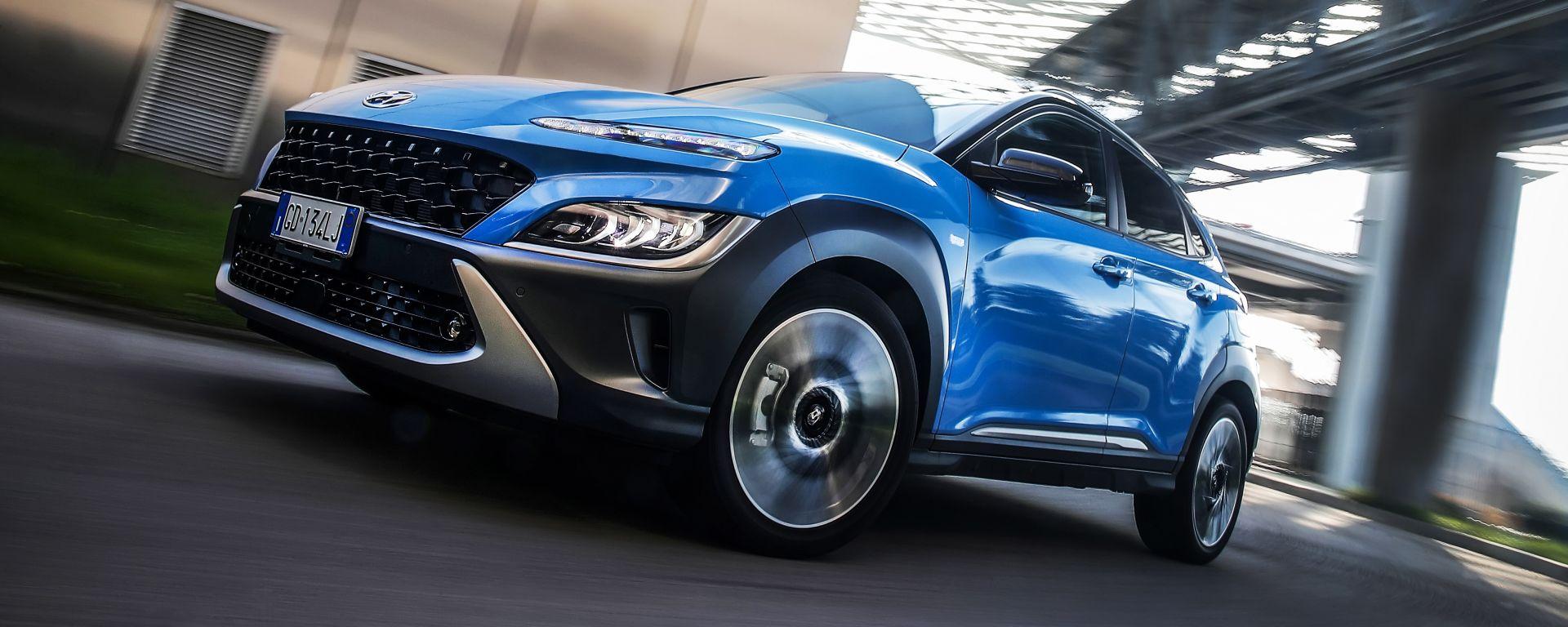 Nuova Hyundai Kona Hybrid: la prova su strada del B-SUV coreano elettrificato
