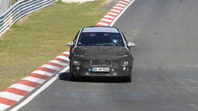 NUova Hyundai Kona N: il crossover sportivo coreano sulla pista del Nurburgring