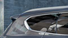 Nuova Hyundai Santa Fe 2019: dettaglio dello spoiler sul tetto
